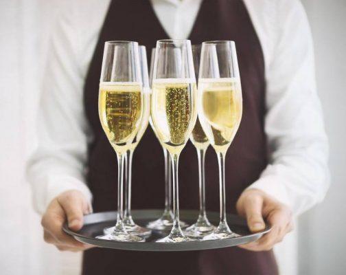 Tại sao rượu Champagne thường khá đắt?