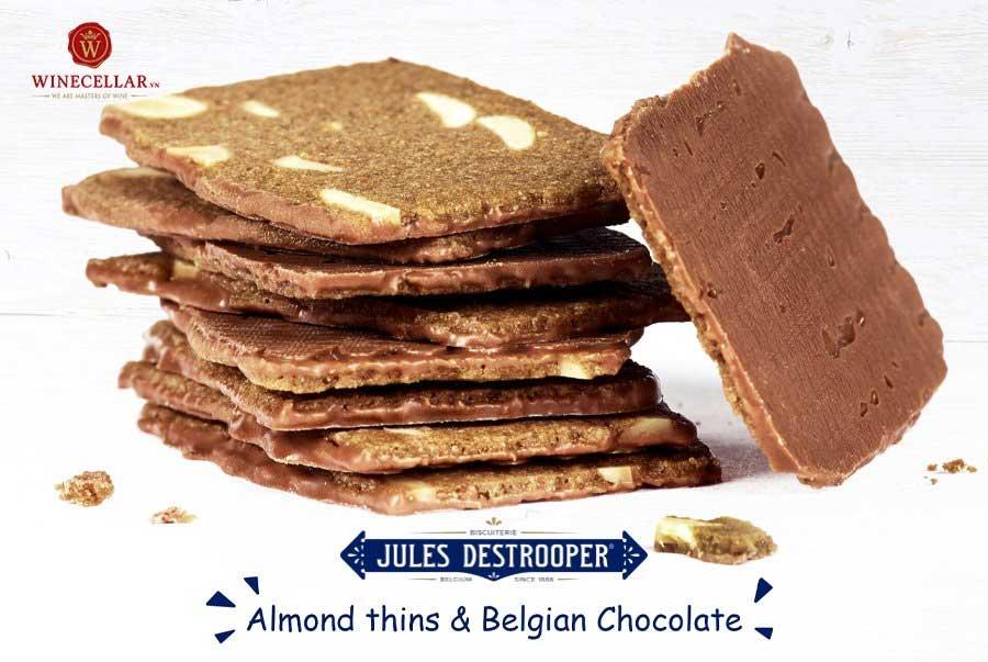 Ảnh 2: Sản phẩm bánh quy Almond Thins và Belgian Milk Chocolate