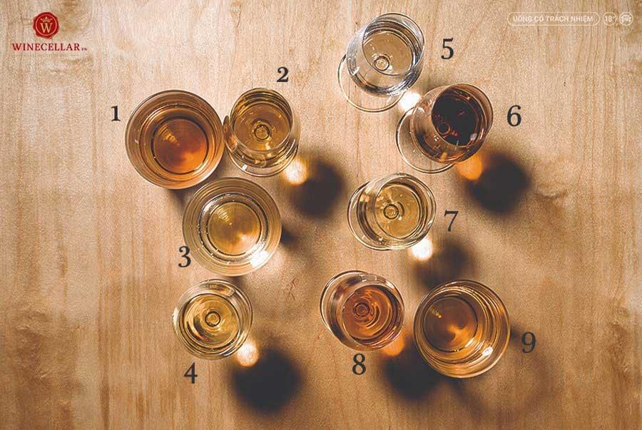 Ảnh 2: màu sắc trong ly của các loại rượu Whisky Single Malt khác nhau