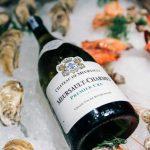 Nên kết hợp các món ăn từ cá và hải sản có vỏ với rượu vang nào?