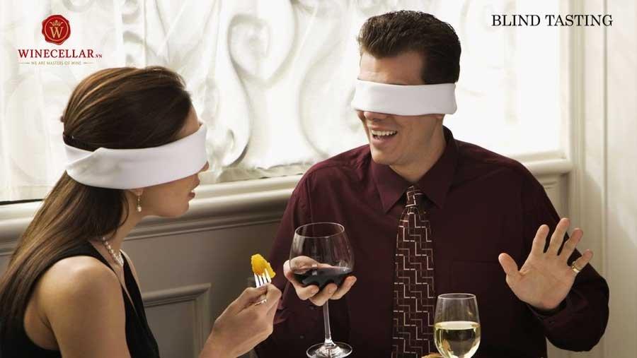 kiểu nếm thử rượu Blind tasting